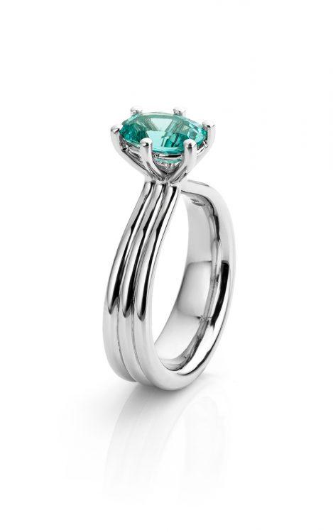 platina Ring met blauwe tourmalijn