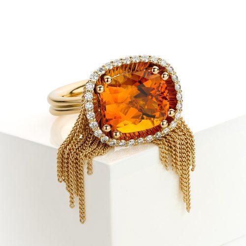 Ring met citrien en diamant in 18 karaat geelgoud