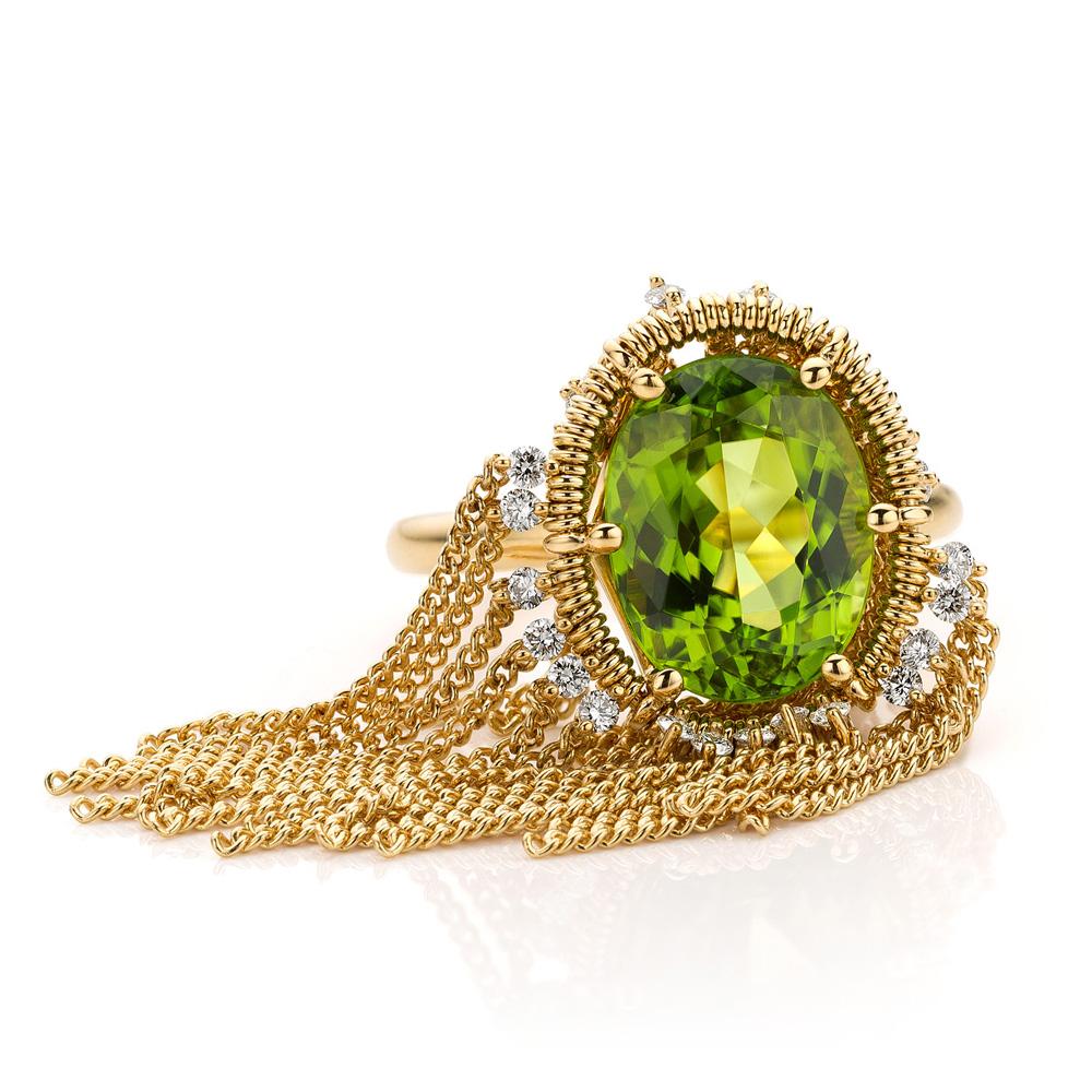 Ring met peridot en diamant in geelgoud