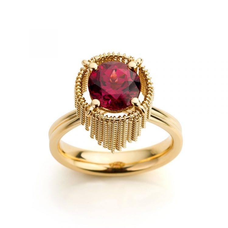 ring geelgoud met rhodoliet