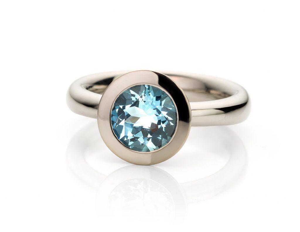 witgouden Ring met aquamarijn