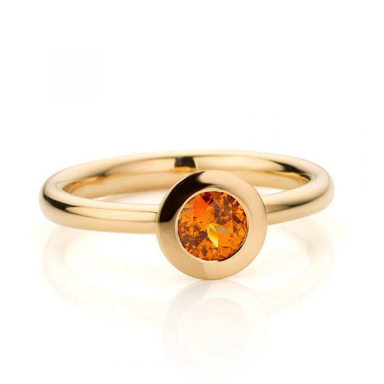 geelgouden ring met mandarijn granaat