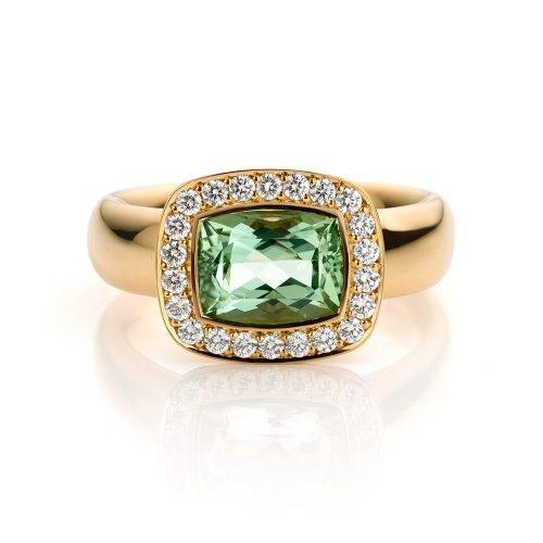 Ring roségoud met groene beryll en diamanten