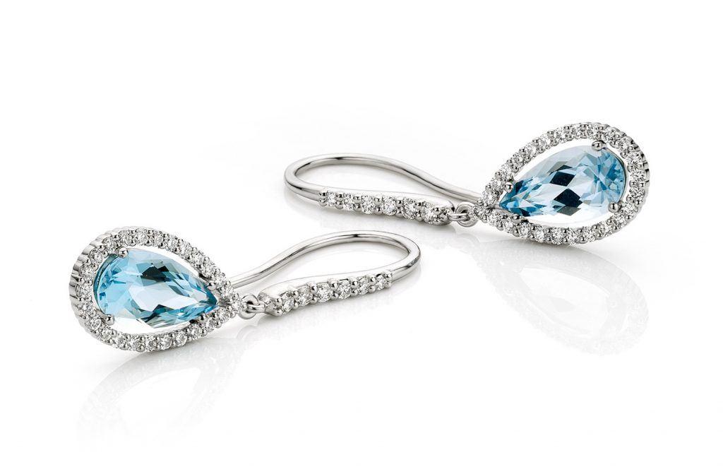 Oorbellen gemaakt van platina met aquamarijn en diamanten