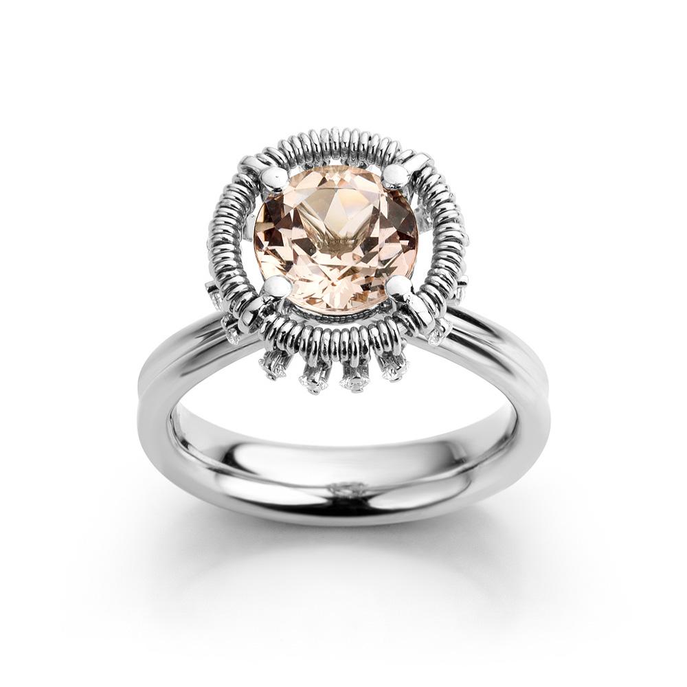 Ring in platina met morganiet en diamant