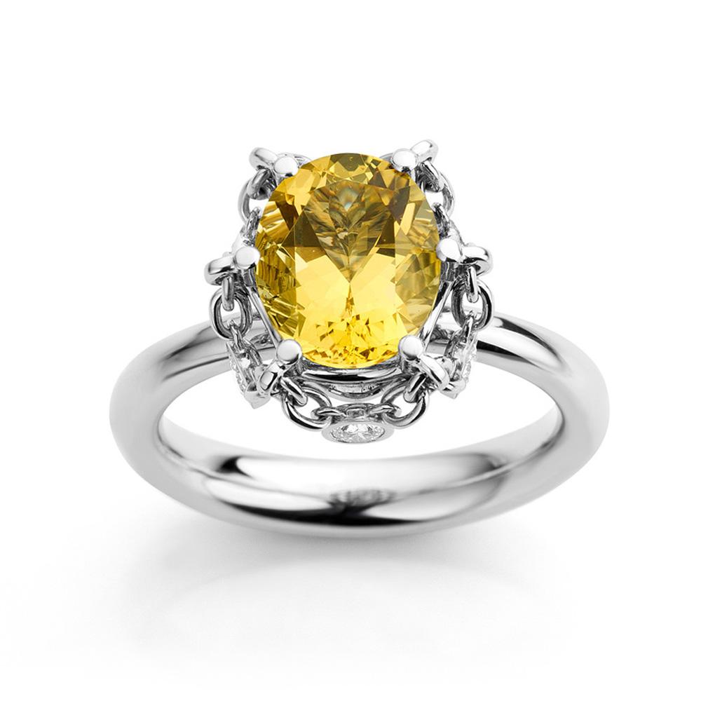 Ring gemaakt van platina met goudberyl en diamanten