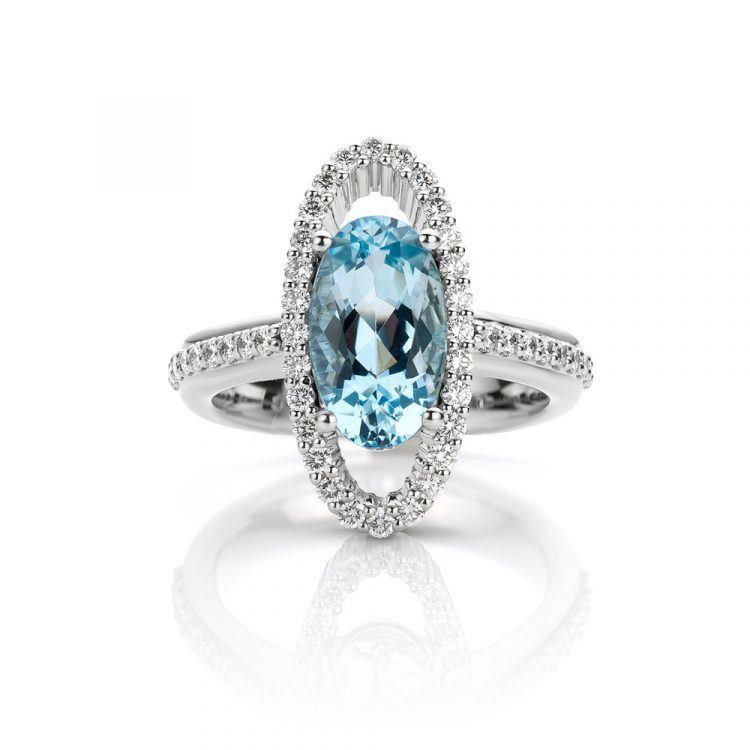 Platina ring met aquamarijn en diamanten