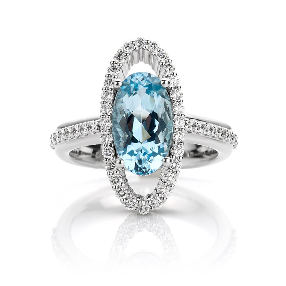 Ring in platina met aquamarijn en diamanten