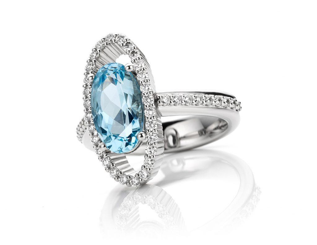 Platina Ring met aquamarijn en diamant