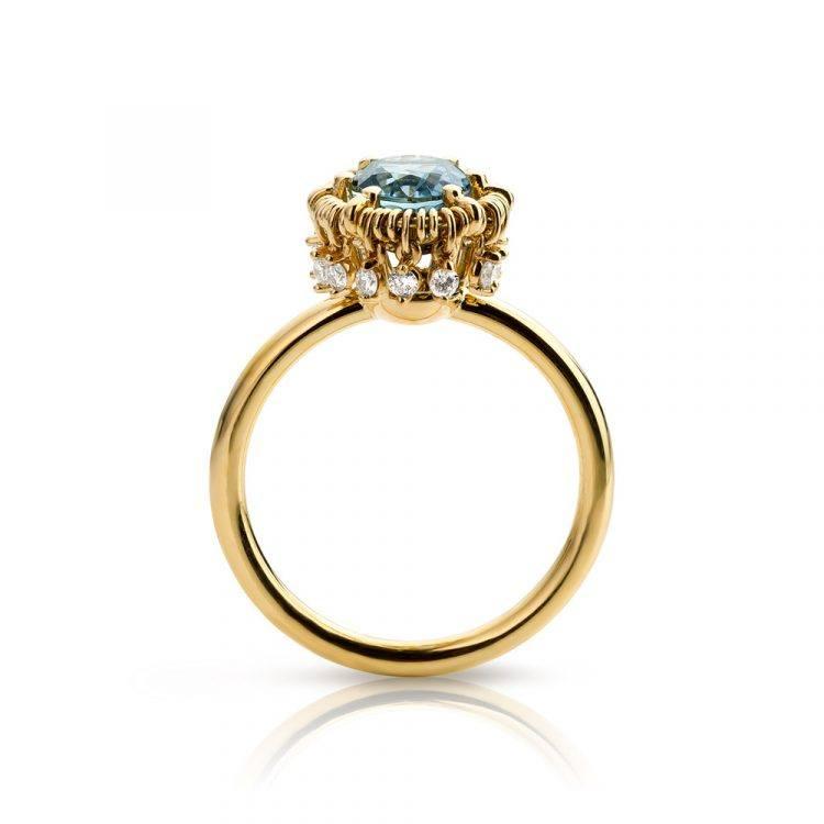 geelgouden ring met aquamarijn en diamanten