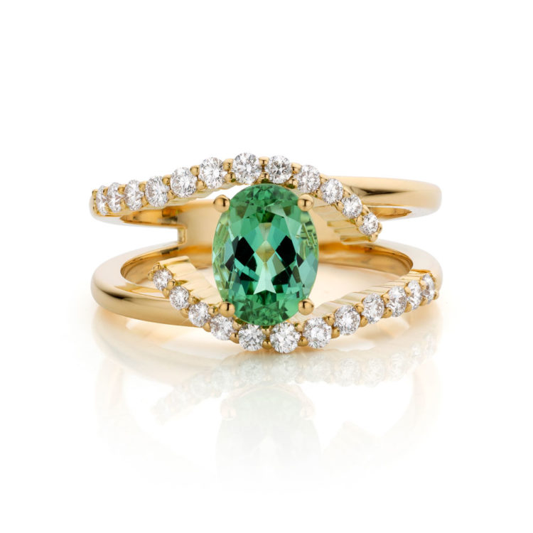 ring geelgoud met groene toermalijn en diamant